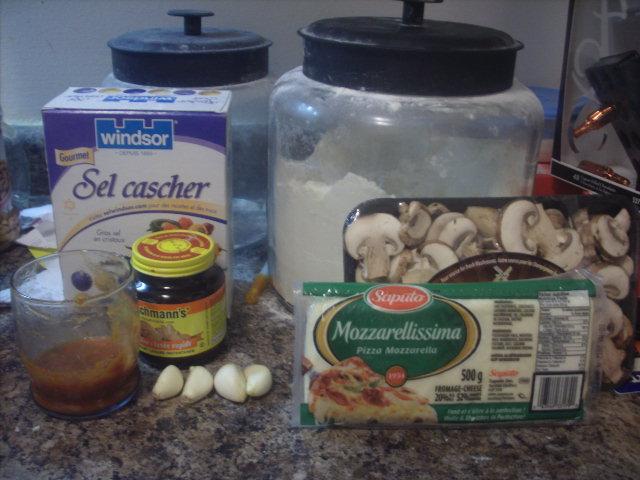 Mushroom, Garlic and Tomato Sauce Bread